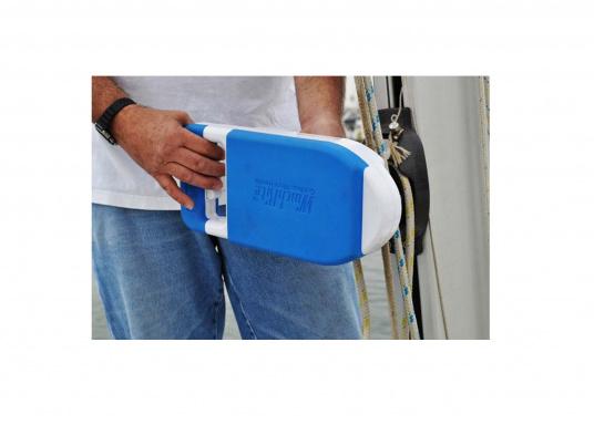 ¡A navegar cómodamente! Con tan solo 3 kg de peso, esta manivela de cabrestante se alimentada por una batería de iones de litio y proporciona hasta 110 RPM, elevando su vela con una velocidad impresionante. (Imagen 8 de 9)