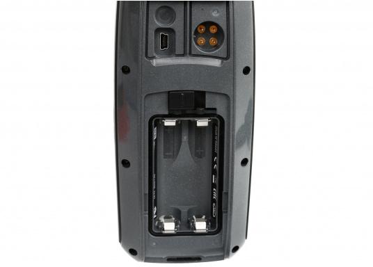 El GPS 73 es un GPS portátil dealta sensibilidad que detecta rápidamente las señales de satélite y determina su posición incluso en las condiciones más difíciles.  (Imagen 8 de 9)